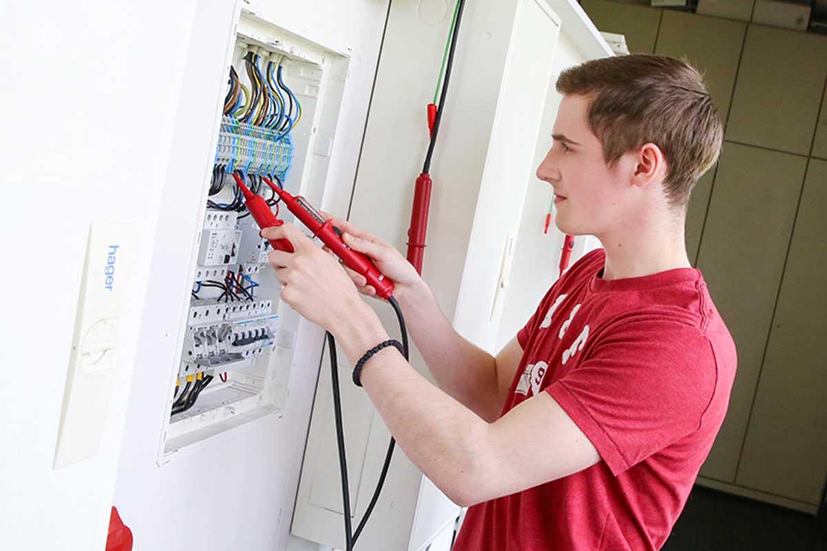 Elektroniker der Fachrichtung Automatisierungstechnik